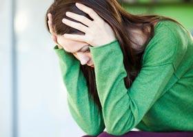 Frau mit Wochenbettdepression