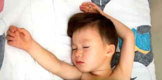 Schlafenender Junge