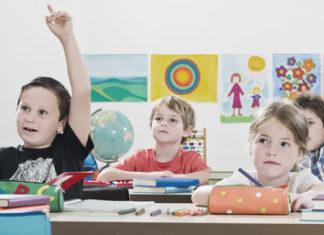 Schule mit Kindern