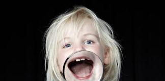 Milchzähne Gesicht Mädchen