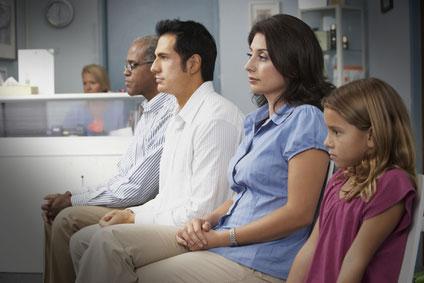 Wartezimmer beim Arztbesuch