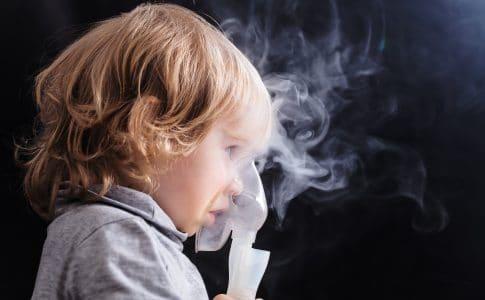 Gefahr der Pilzinfektion - Mundsoor nach Inhaltion