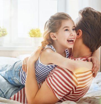Vater und Tochter glücklich