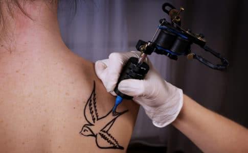 Bedeutung des Schwalben Tattoo