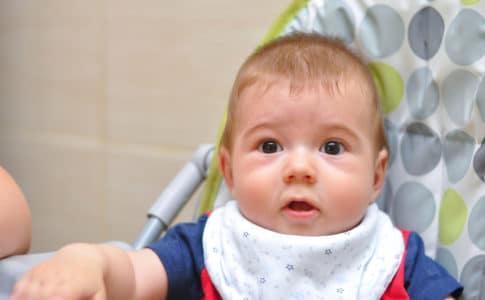Ab wann kann dein Baby im Hochstuhl sitzen?
