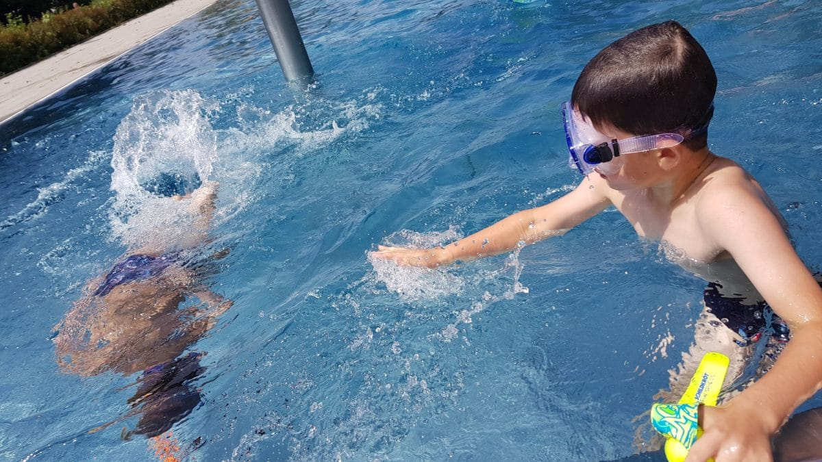7 Gefahren Für Kinder Im Schwimmbad » Was Eltern Wissen Sollten