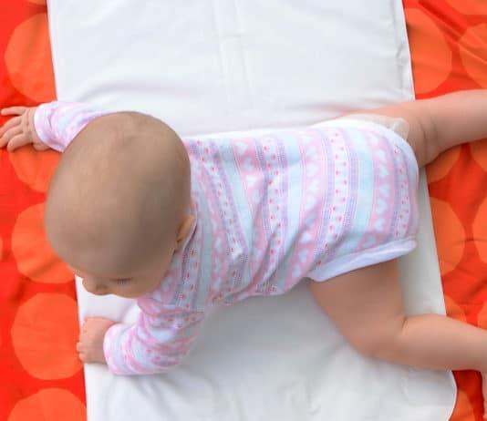 Wann können sich Babys drehen