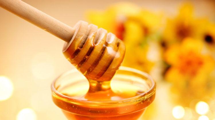 Darf ein Baby Honig essen