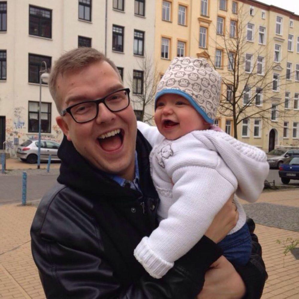 Gabriel Rath mit Kind