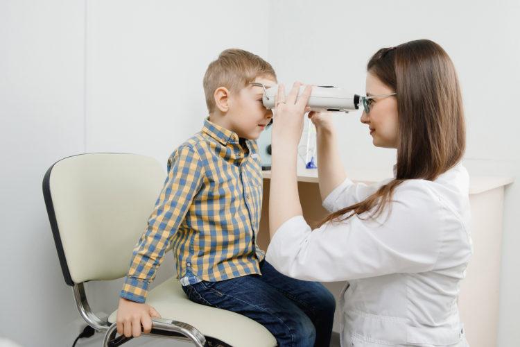 Augen Flimmern beim Kind