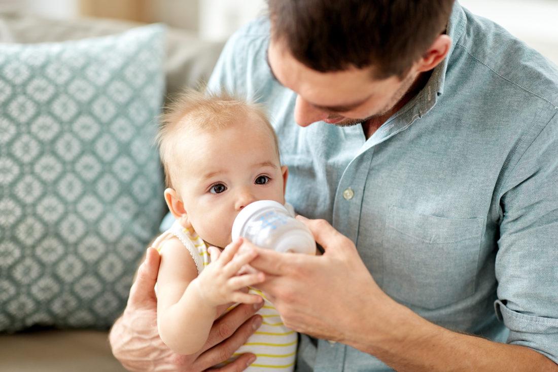Baby Tritt Gegen Blase