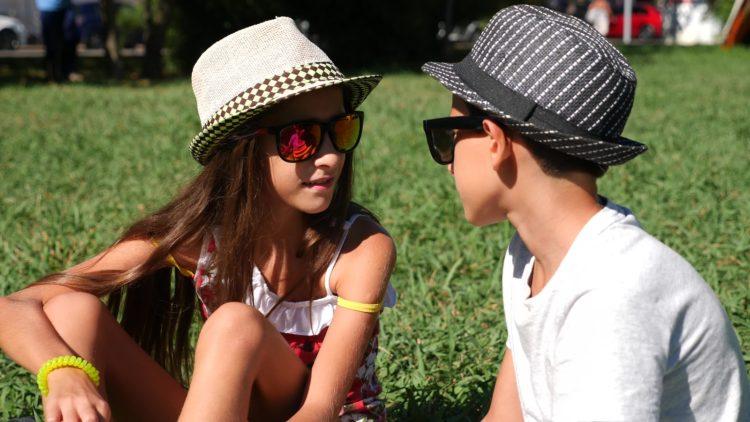 Jungen und Mädchen mit 10..? Copyright: ekavid bigstockphoto.com